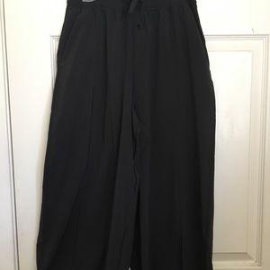 Lululemon Noir pants- full leg light weight